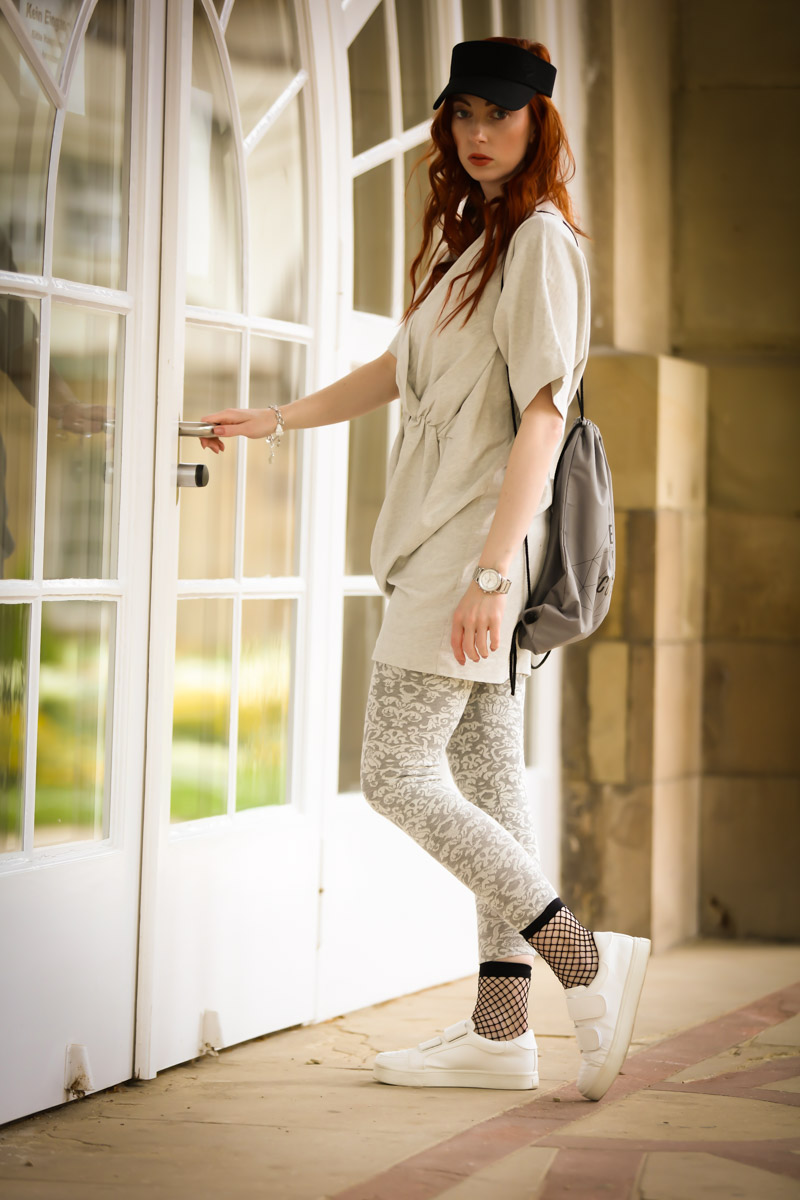 White and grey sportswear look
